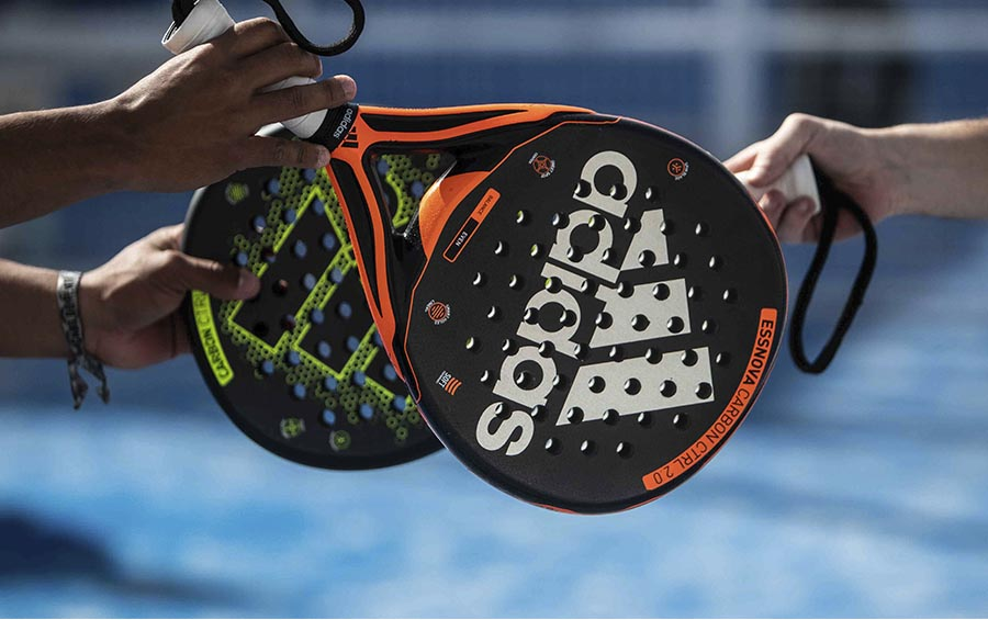 How do I choose a padel racket?